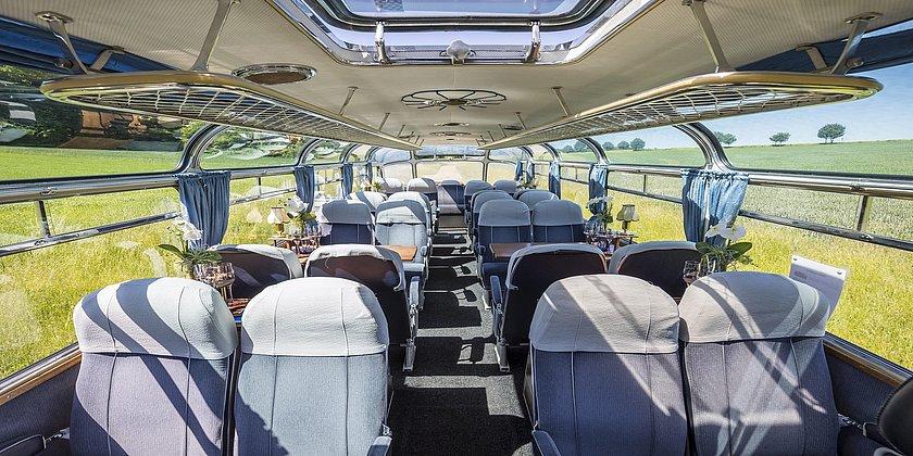 """Innenansicht Bus """"Adler"""""""