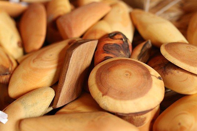 Handschmeichler aus Zirbenholz