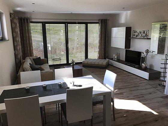 Blick in Wohnzimmer