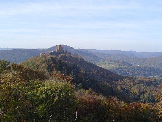 Blick vom Anebos zum Trifels