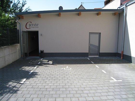 Parkplatz für Menschen mit Behinderung